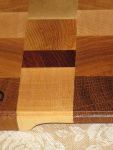Торцевая разделочная доска: размер 30х20х2 см., логотип