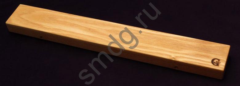 Магнитный держатель для ножей. Материал ясень, неодимовые магниты.